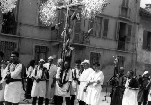 Confraternita in processione