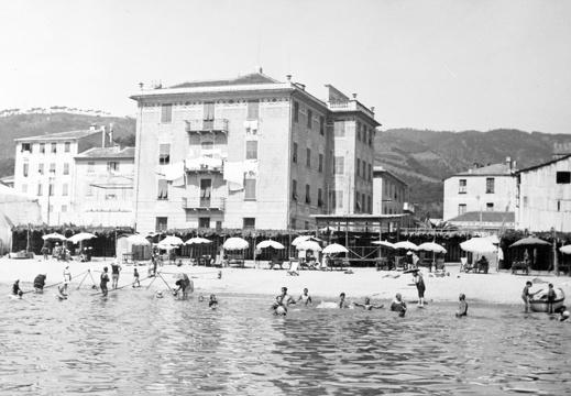 Tag bagni pinuccia varagine archivio storico fotografico sulla